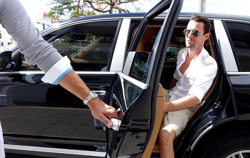 اجاره ماشین با راننده برای فیلم برداری